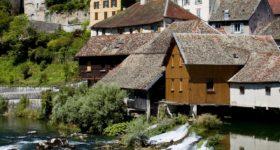 Qu'est-ce qui détermine un hôtel de renommée en Franche-Comté ?